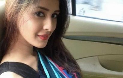 Chahatt Khanna opens up on battle with depression: 'I'm in constant touch with my counsellor via video call'