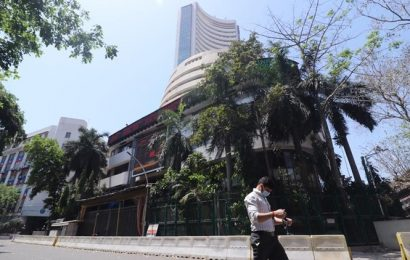Sensex climbs over 550 points in opening deals, Nifty above 9,350-mark on global cues