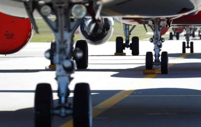 Airlinesbalancefewer flights with angrytravellers seeking social distance