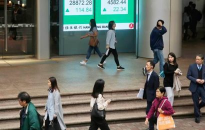 Asian shares struggle as coronavirus strains US-China relations