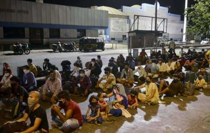 2,000 migrant workers gather in Boisar; police say they were misinformed about special train