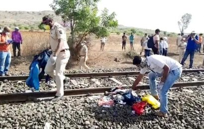 After Aurangabad train accident, Maharashtra CM urges workers to not risk lives