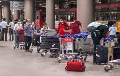 4-feet social distance, Aarogya Setu app must: AAI rules for air travel