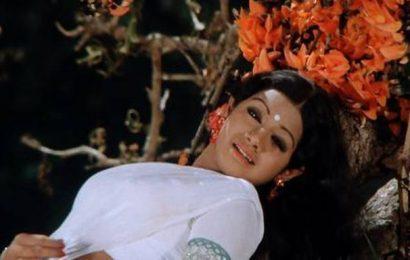 'Neekosam Neereekshana', a digitally restored and dubbed version of '16 Vayathinile' in Telugu