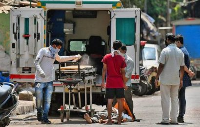 Hundreds of COVID-19 patients untraceable in city, admits BMC