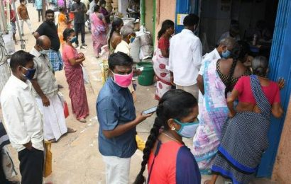 Ahead of complete lockdown, Madurai residents flock to shops and markets