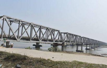 17 yrs after Vajpayee laid foundation stone, Railways racing to ready Bihar bridge