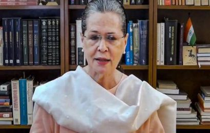 Pass on benefits of low international oil prices to citizens, Sonia Gandhi tells Narendra Modi