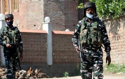 Pakistani troops violate ceasefire, fire towards Indian positions