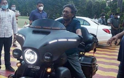 CJI SA Bobde tries out a Harley Davidson, photos go viral