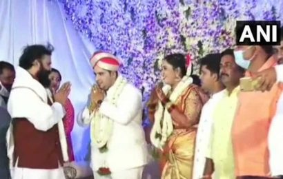 Karnataka Health Minister attends wedding without wearing mask amid Covid outbreak