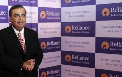 Mukesh Ambani gets 5.52 lakh shares in RIL rights issue; co allocates shares