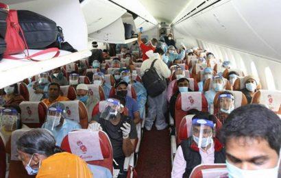 Airlines can take bookings for middle seats, passengers must wear 'wrap-around' gowns: Bombay HC
