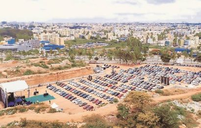As church reopens, a drive-in Mass in Bengaluru parking lot