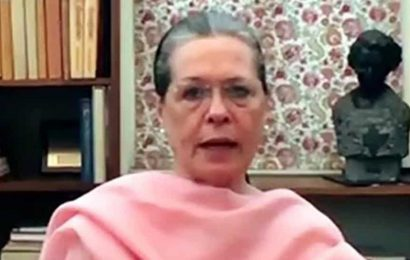 Demanding a rollback, Sonia Gandhi accuses Centre of extorting people by hiking fuel prices