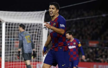 Barcelona's Suárez back from surgery in time for opener