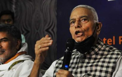 Yashwant Sinha throws hat into electoral battle to 'change Bihar'