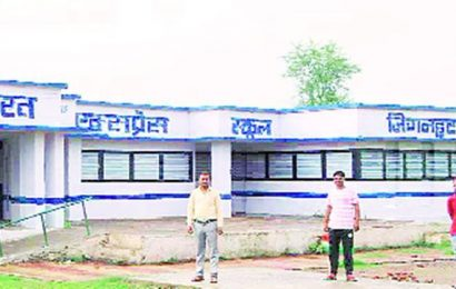 MP: Quarantined at school, migrants give building a makeover in Satna district