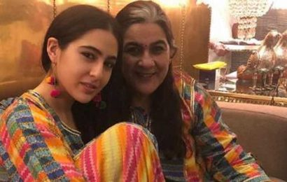 Sara Ali Khan enjoys 'Mummy's day out' with Amrita Singh, but makes sure to wear a mask. See pics