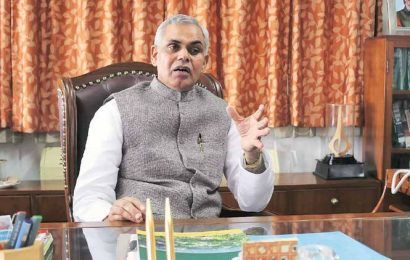 Gujarat: To promote natural farming Governor to chair webinar with govt teachers