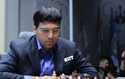 Viswanathan Anand finally gets a win in Legends of Chess tourney
