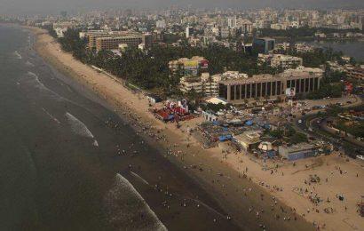 Maharashtra govt revises lease rent for food vendors at Mumbai's Juhu beach