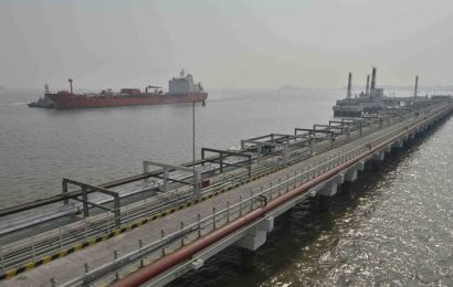 3 new oil jetties at Kandla to double liquid cargo handling