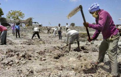 Chhattisgarh ranks second in creating jobs for MGNREGA cardholder families