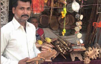 This Ayodhya Muslim family makes 'Khadaus' for saints