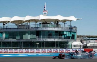 Bottas leads Hamilton in first practice at Silverstone