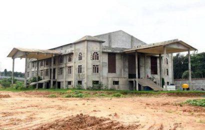BMRCL seeks land, offers new buildings