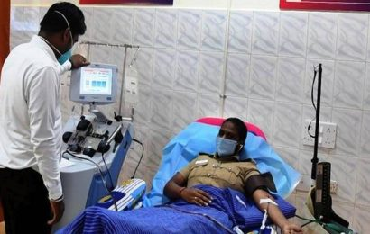 Coronavirus | Recovered city police personnel donate plasma at Rajiv Gandhi Government General Hospital