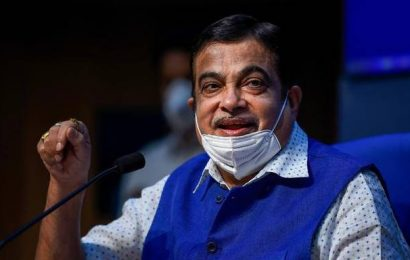 Nitin Gadkari exhorts industry to identify sectors to boost exports, make India 'self-reliant'