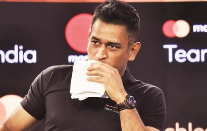 MS Dhoni wore his jersey entire night, shed few tears after Test retirement: R Ashwin