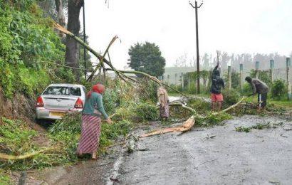 Rain eases in Udhagamandalam, Kundah