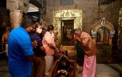 Small temples reopen for public darshan