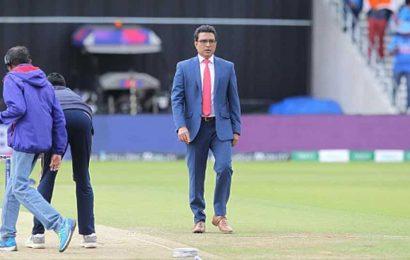 Do commentators in cricket face censorship?