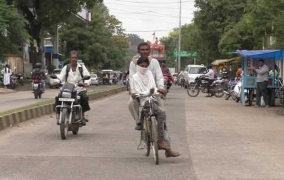 Man pedals bicycle for 105 km to take son to exam centre, he has a dream
