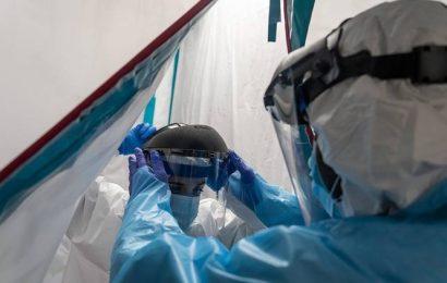 Nurses' pleas spur US pledge to tap 44 million-mask stockpile