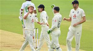 Pakistan struggle against England seamers on rain-hit Day 1