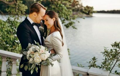 Finland's Prime Minister Sanna Marin shows how to marry in a pandemic