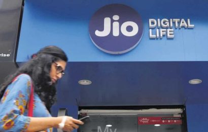Jio to contest RCom's liabilities in Supreme Court