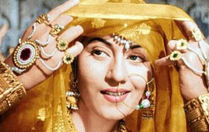 Book tells behind-the-scenes stories of Mughal-e-Azam