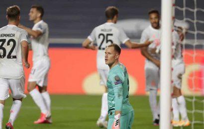 Barcelona goalkeeper Ter Stegen to undergo knee surgery