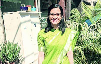 Late policeman's daughter cracks IAS, fulfills his dream