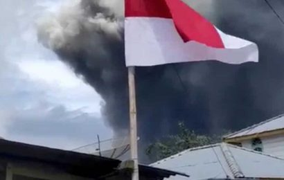 Indonesia's Sinabung volcano erupts, sending column of ash 5,000 m into sky