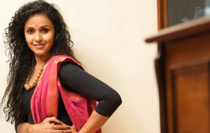 Singer Smita tests positive for COVID-19