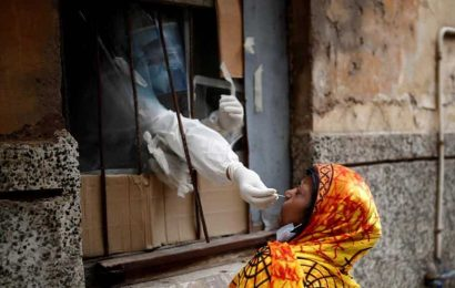 With more than 900 deaths daily, India reports over 5,800 Covid-19 fatalities in a week