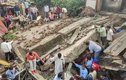 Madhya Pradesh: Woman, 10-month-old die in house collapse, 10 rescued