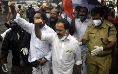 BJP, MYL workers take out marches in Kozhikode demanding Jaleel's ouster